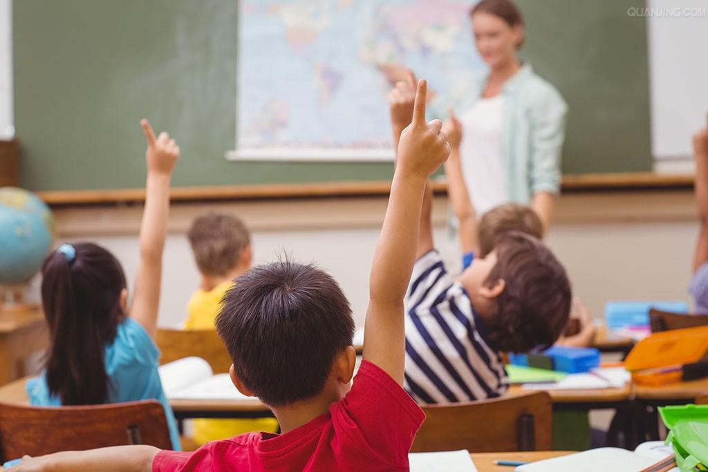 看上去很美的在线教育 能否击败人民教师?