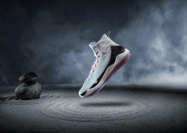 李宁驭帅11篮球运动鞋