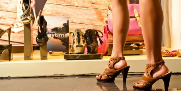 中国内地奢侈品消费市场强势反弹 千禧一代成为增长主要动力