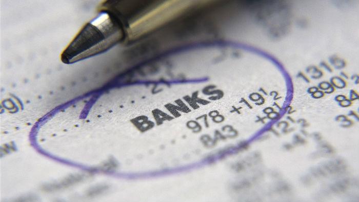 今日股市|银行股领涨两市,沪指收复20日线