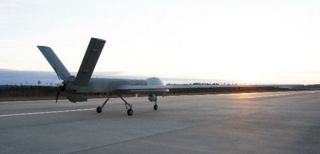 彩虹无人机上市后首款消防无人机试飞成功