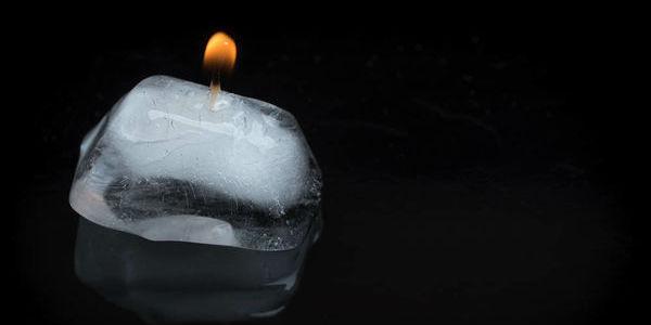 走失人类的温度:反乌托邦小说中的冷色诗意