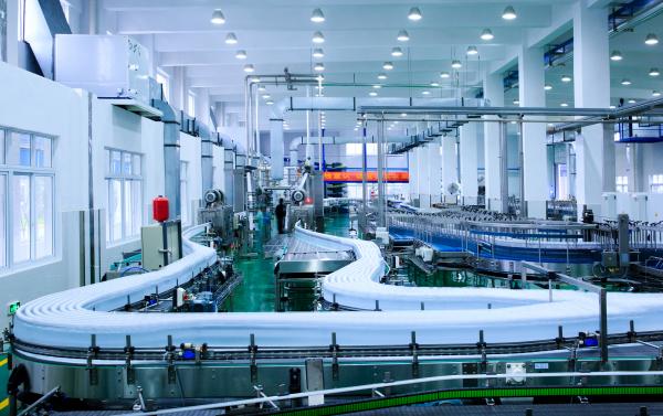 娃哈哈智能工厂,入选首批工信部智能制造试点项目。实现了生产线的生产全过程自动化与智能化,为两化融合提供了娃哈哈样本