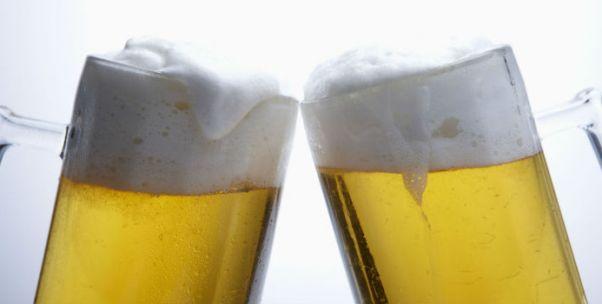 重庆啤酒董事长Lawrence首次亮相股东会:战略已制定 避谈同业竞争