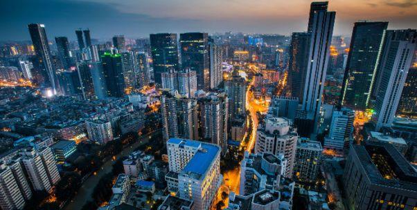 """成都定义""""城市英雄"""":落实新发展理念要靠这样的实干家"""