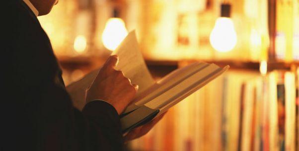 不赚钱的书店各有各的难处,赚钱的书店却有同一个高招