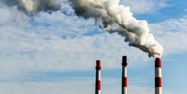 全国政协发言人:雾霾天可能有反复 但环境治理必须坚决