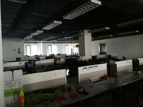 如風達空蕩蕩的7層辦公室