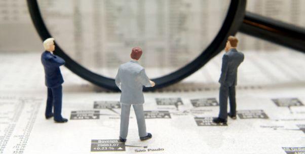 公募爭相布局增強指數基金 它和純被動基金究竟孰強孰劣?