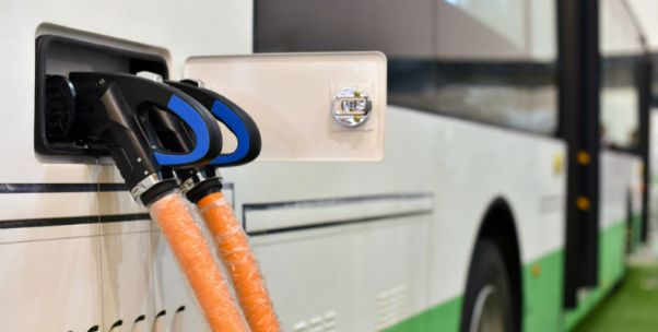 """新能源客车7月销量大涨 补贴过渡期内""""抢装""""是主因"""