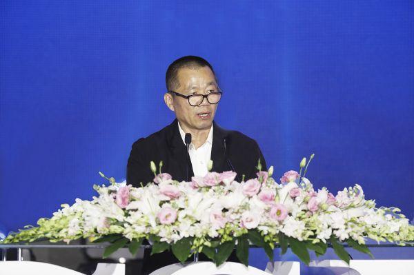 1、中国新闻社副社长、副总编辑,中国新闻周刊社长 夏春平致辞
