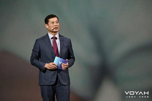 东风公司董事长、党委书记竺延风在现场发表演讲