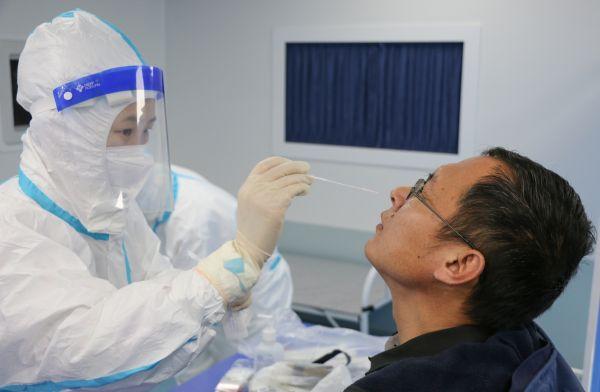 多级拓展移动方舱医院核酸检测作业1